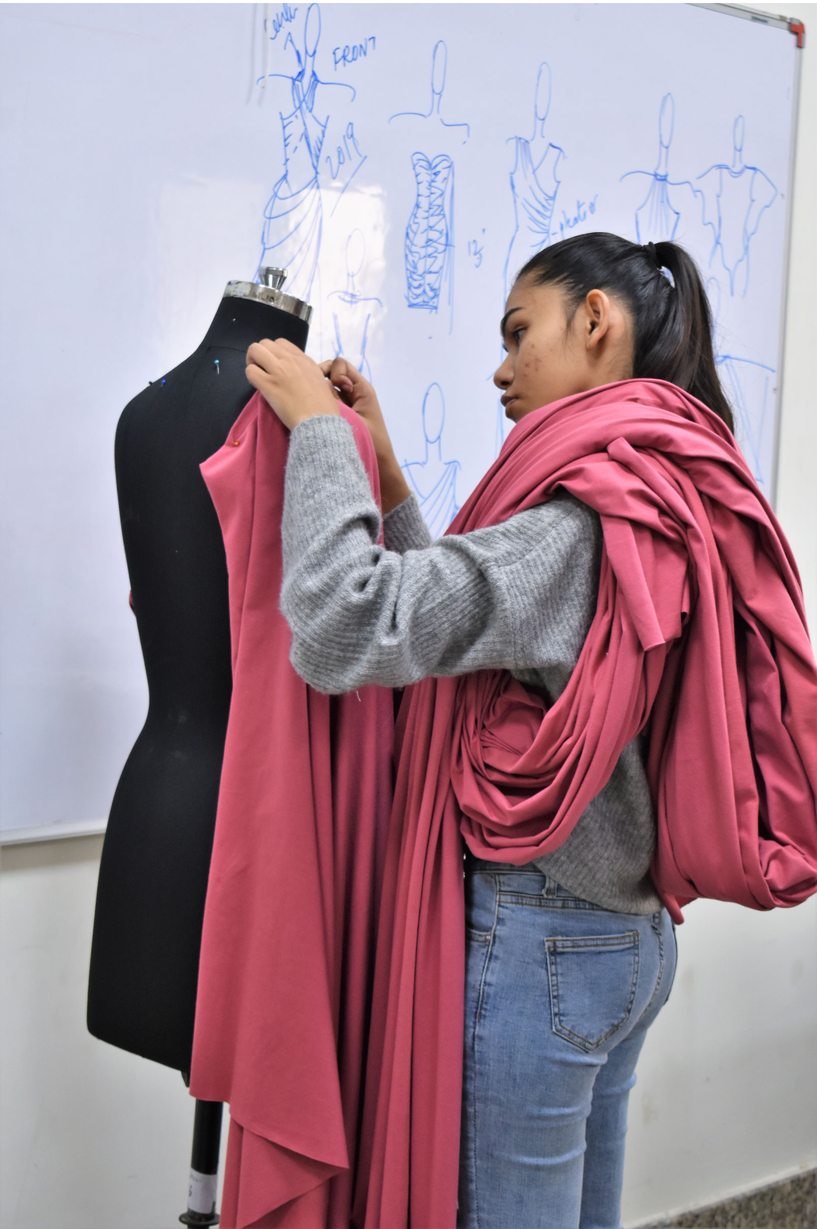 Bachelor Of Fashion Designing Course College In Gandhinagar Ahmedabad Uid