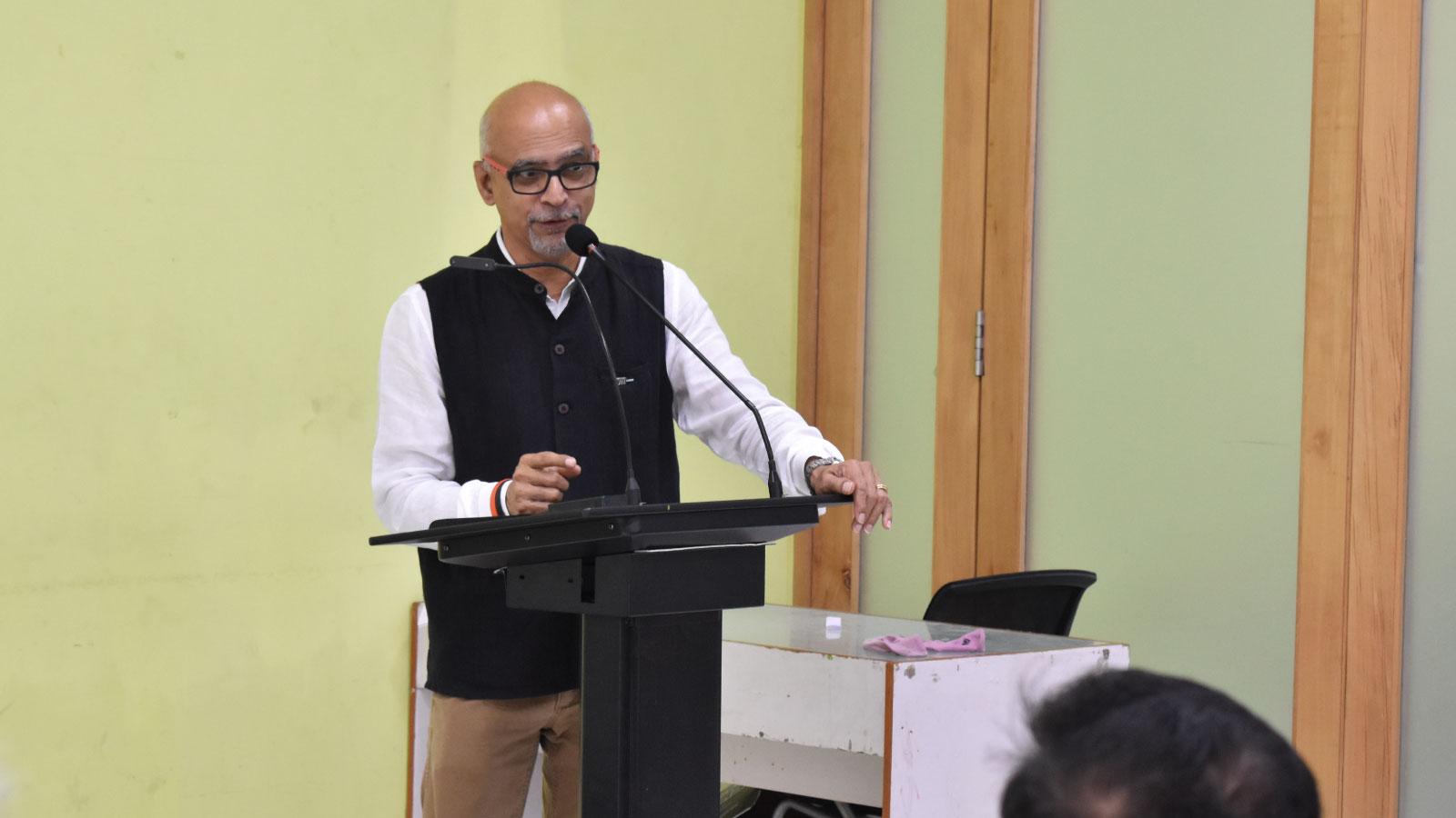 Mr. Srini Srinivasan, President, WDO @ UID Image